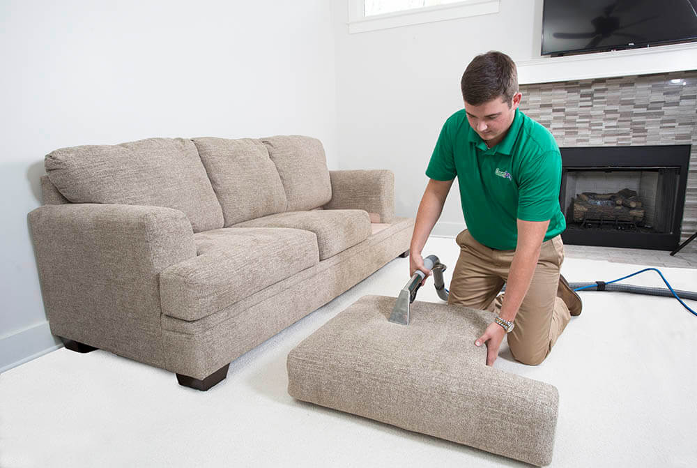 upholstery cleaning detroit